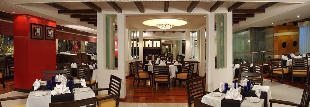Fortune Inn Riviera – Hotels in Jammu Dining