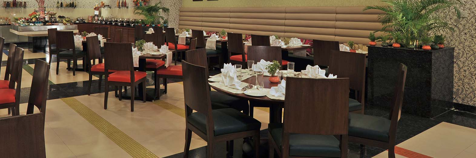 Fortune Park LakeCity– Hotels in  Thane Dining
