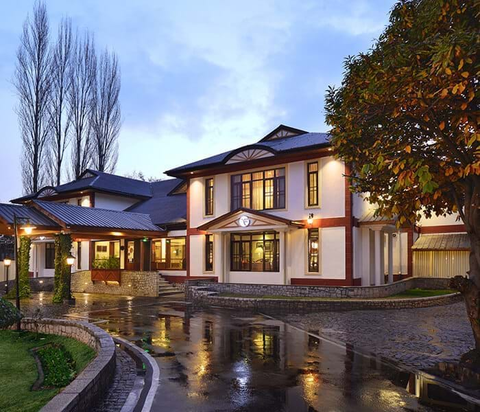Hotels in Srinagar - Fortune Resort Heevan