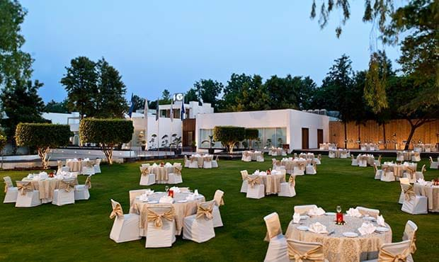 Dining in New Delhi
